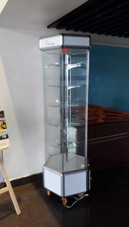 cho thuê tủ kính xoay trưng bày
